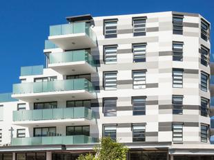 MODERN ONE BEDROOM IN A SOUGHT AFTER LOCATION! - Burwood Heights
