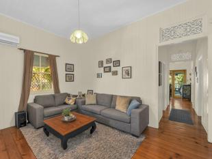Charming Queenslander with Endless Opportunities - Greenslopes