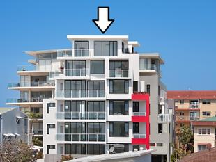 TWO PENTHOUSES IN ONE...over 50 squares in this penthouse - Tweed Heads