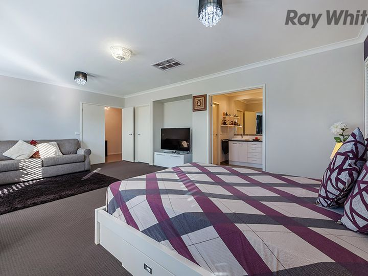 2 Condamine Terrace, Caroline Springs, VIC