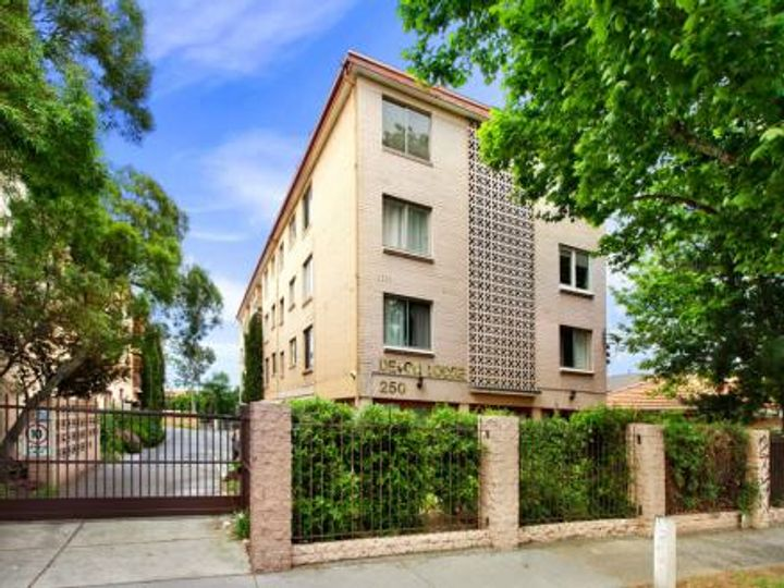 24/250 Dandenong Road, St Kilda East, VIC