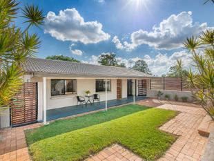 Large Home - Air Con -  Mansfield State High Catchment - Mansfield