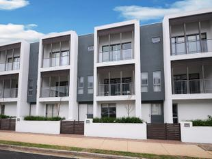 Brand new 3 bed plus study townhouses, excellent location!      Phone for private inspection - Mornington