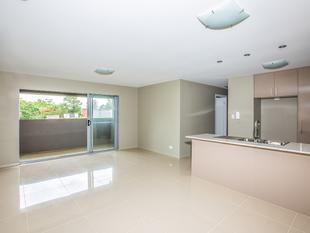 Almost New Contemporary Apartment - Everton Hills