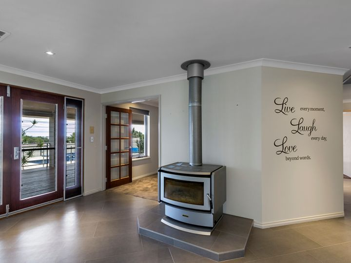 48 Coffee Pot Drive, Waggrakine, WA