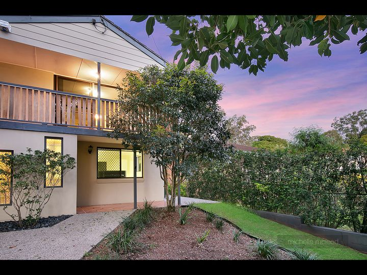 80 Sutling Street, Chapel Hill, QLD
