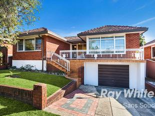 Premier Location, Approx. 15m Frontage - Banksia