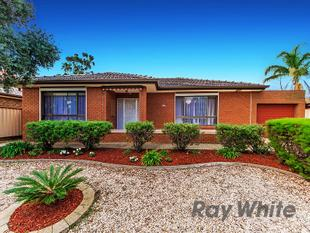 Family Home in Keilor Downs !!! - Keilor Downs