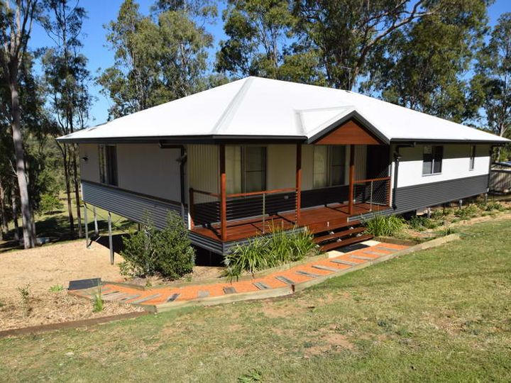 137 Outlook Drive, Esk, QLD