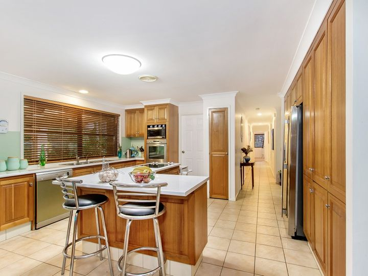 31 Clarence Drive, Helensvale, QLD
