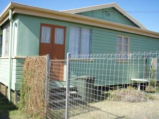 Flat - Close to town and schools - Charleville