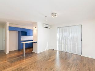 Modern Unit - Stroll to Jetty Road! - Glenelg North