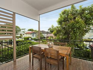 4 BEDROOM FAMILY HOME IN CLAYFIELD - Clayfield