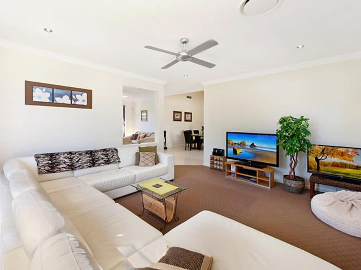 3002 Hillside Walk, Sanctuary Cove, QLD