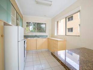 GREAT LOCATION- 2 BEDROOM UNFURNISHED UNIT- AVAILABLE NOW - Surfers Paradise