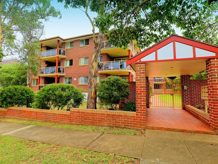 13/64-66 Cairds Avenue, Bankstown, NSW
