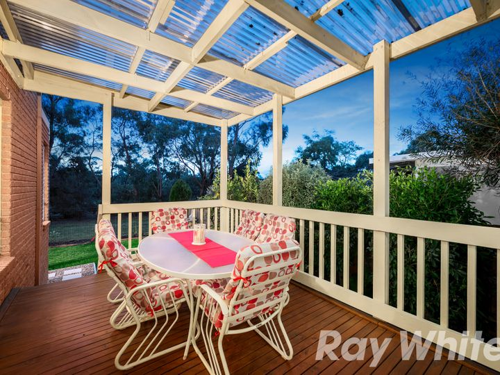 40 Watersedge Close, Knoxfield, VIC