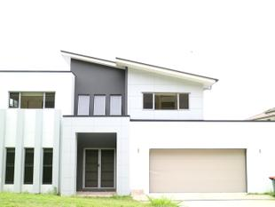 SUPER-SIZE modern & brand new 5 bedrooms house at 71 Gumtree St, Runcorn - Runcorn