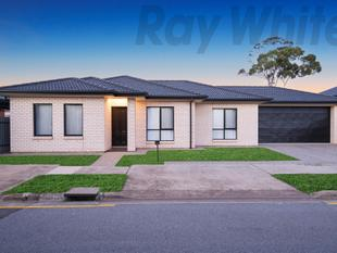 Stylish Courtyard Convenience  As Fresh As The Day It Was Built Last Year! - Woodville West