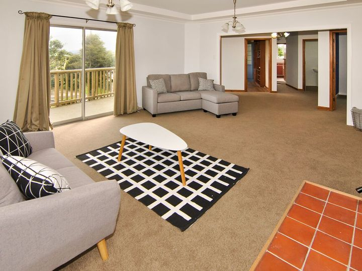 5 Turville Crescent, Newlands, Wellington City