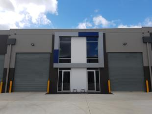BRAND NEW AT THE DOORSTEP OF WESTERN FREEWAY AND DEER PARK BYPASS - Ravenhall