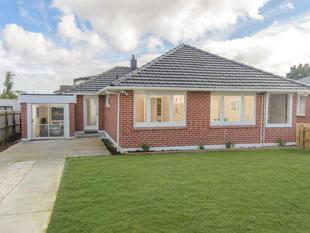 RENOVATED WITH STYLE - Kelston