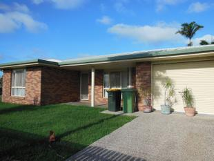 NEAT AS A PIN- AFFORDABLE FAMILY HOME WITH YARD - Beaconsfield