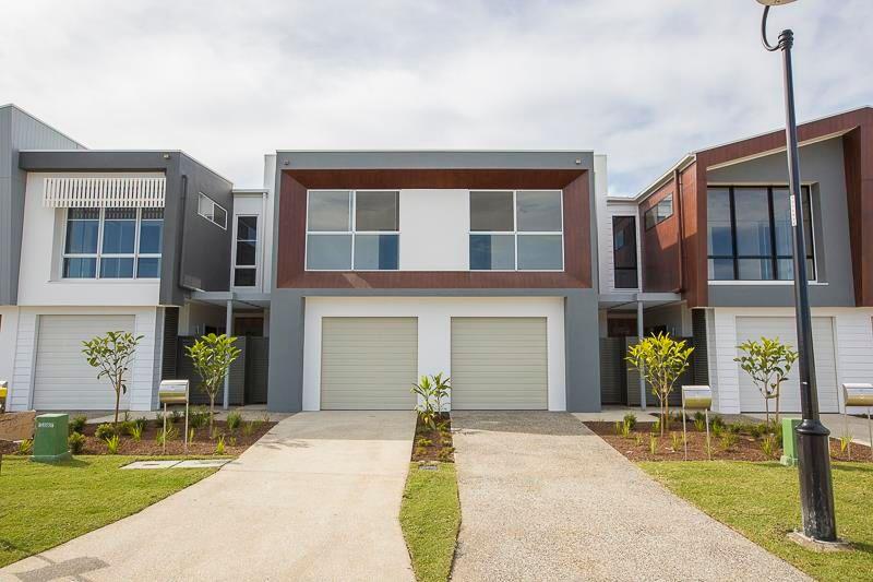 Villa leased robina qld 5 botanique terrace for Queensland terrace