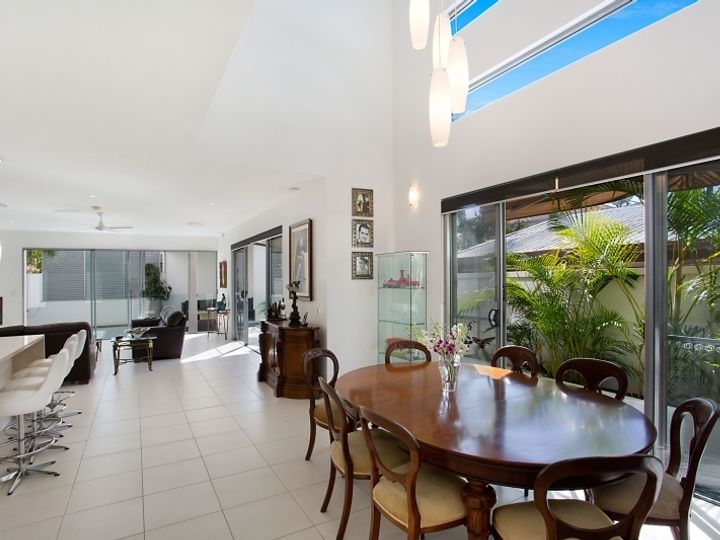 33 Sunbrite Avenue, Mermaid Beach, QLD
