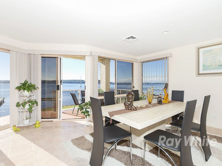35 Excelsior Parade, Carey Bay, NSW