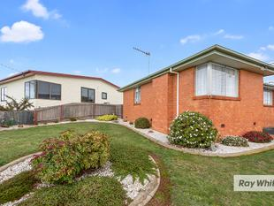 Beautiful neat and tidy brick home - Acton