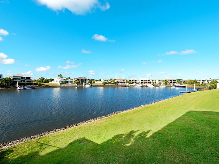 1009 Edgecliff Drive, Sanctuary Cove, QLD