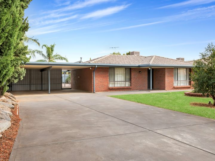 15 Colchester Court, Salisbury Heights, SA