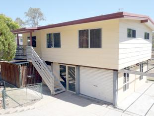 :: REVAMPED HIGHSET HOME IN POPULAR LOCATION! - West Gladstone