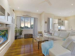 3 levels, 3 bedrooms & city views! - Bulimba