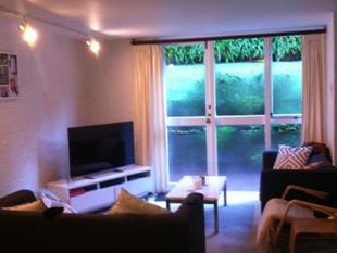 Epsom 2 bedroom apartment - Epsom