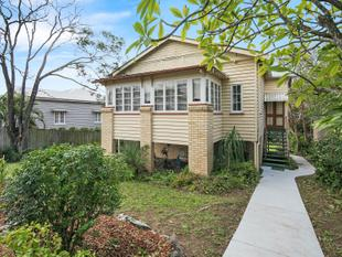 CITY VIEWS ON HEADFORT - Greenslopes