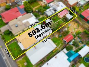 LARGE HOME ON 593M2 - West Footscray