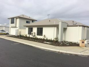 Modern home with a Studio Apartment - Canning Vale