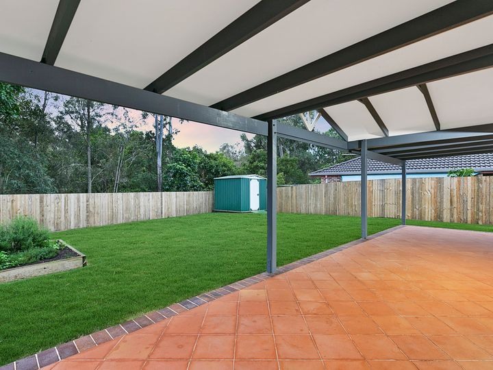 6 Bishop Place, Coopers Plains, QLD