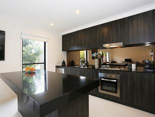 ELEGANT, CHIC AND ALMOST READY TO MOVE IN - Robina