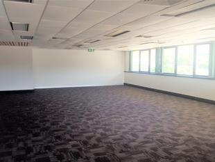 Bright Corner Office With Elevator Access - Chermside