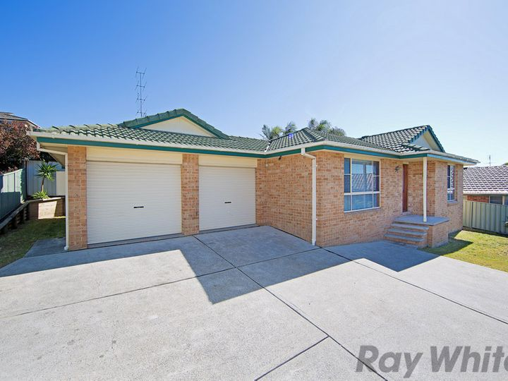 30 Twin lakes Drive, Lake Haven, NSW