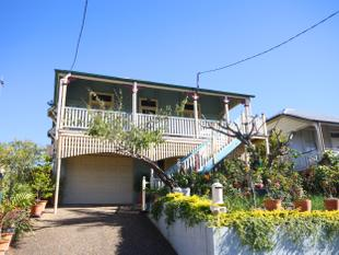 High On The Hill, Easterly Aspect, Dual Living Potential! - East Brisbane