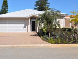LIGHT BRIGHT 'N SPACIOUS.......REDUCED TO $430.00 P.W. - Spearwood