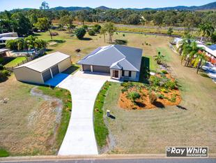 5 Bedroom Brick on 1 Acre with Large Powered Shed! - Glenlee