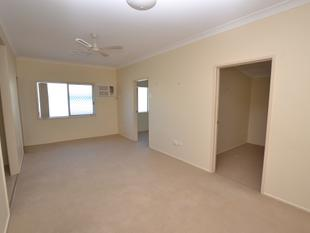 UPTOWN  LIVING  - ON A BUDGET.... $205 PER WEEK - Yeppoon