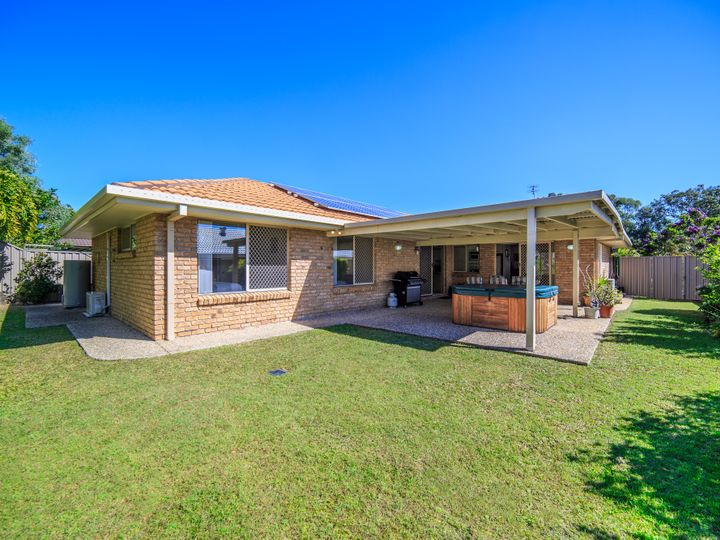 90 Inverness Way, Parkwood, QLD