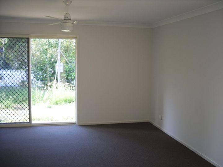 25 Edward Street, Esk, QLD