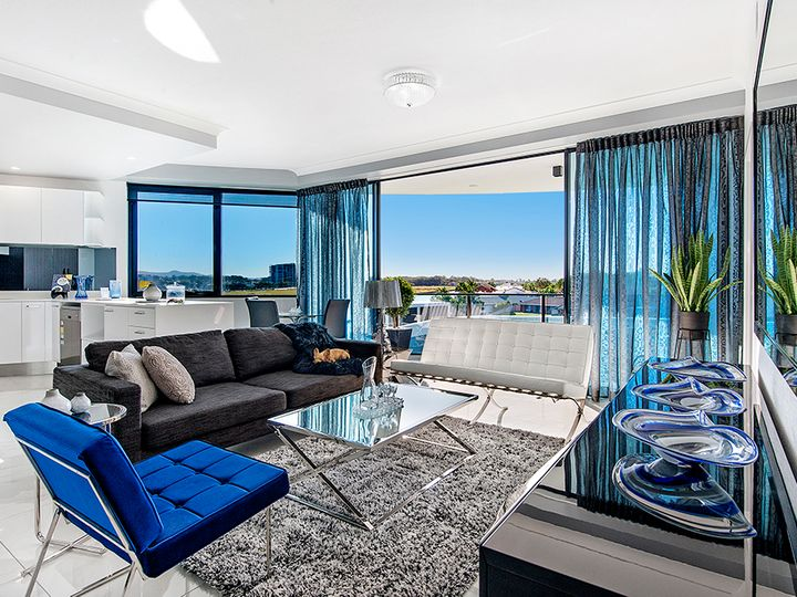 3210/5 Harbour Side Court, Biggera Waters, QLD
